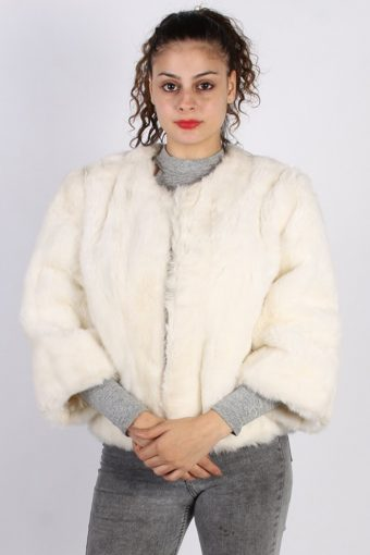 Vintage Other Brands Fake Fur Coat  Bust: 40 White