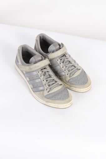 Vintage Adidas Sleek Series Three Stripes Low Tops UK 6.5 Grey