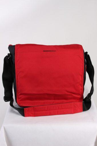 Vintage Eastpak Shoulder Messenger Bag Red BG842-113764