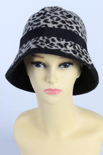 Vintage Knit Winter Hat With Stylish Belt