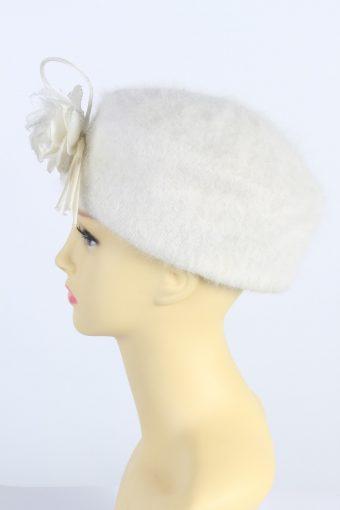Vintage 1980s Fashion Knit Winter Hat White HAT1010-122621